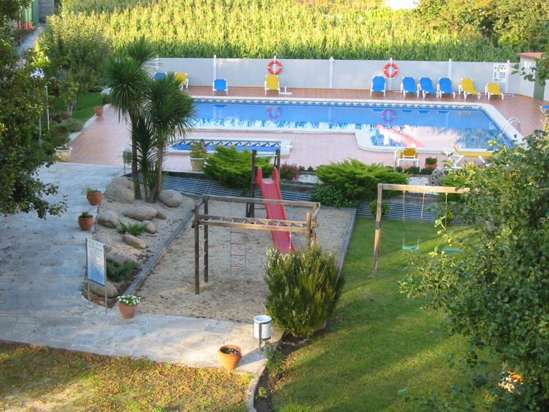 hotel sanxexo piscina