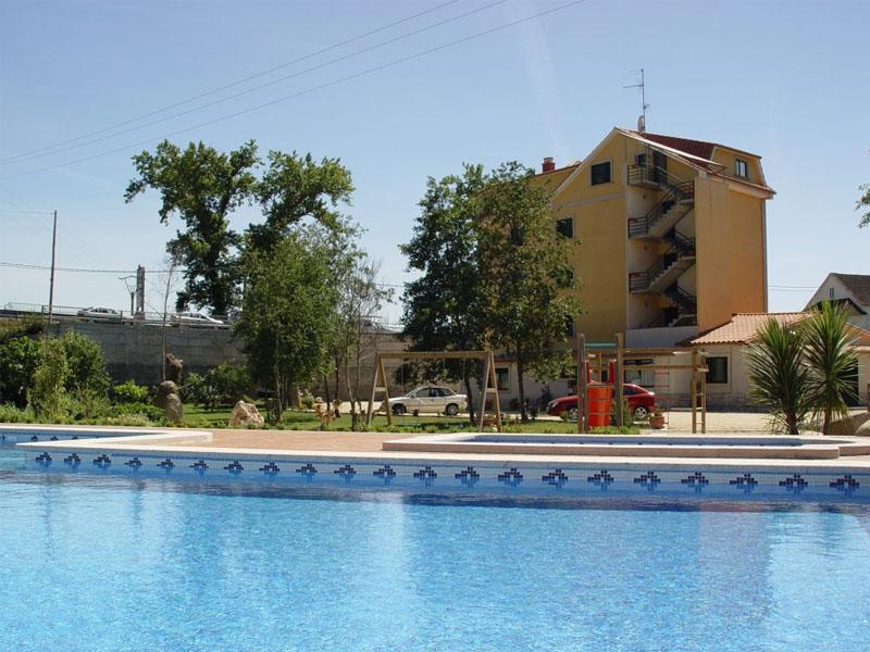 hotel sanxexo piscina 7